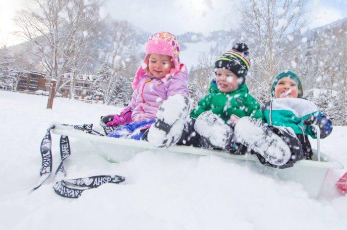 Cum sa te bucuri de iarna fara sa simti frigul?